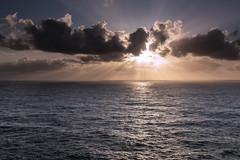 Paz... (PacoCampoy) Tags: puesta sol cabo portugal
