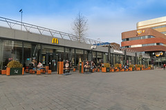 McDonald's Arnhem Centraal (Netherlands) (Meteorry) Tags: europe nederland netherlands holland paysbas gelderland arnhem oudestationsstraat mcdonalds restaurant instore fastfood storefront bigmac mccafé terrasse terrace food march 2018 meteorry
