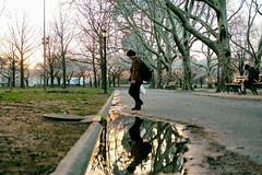 momentos y atardeceres (angeloakdmks) Tags: momentos y atardeceres flushingmeadowspark mundo elm elmundo park flushingnewyork