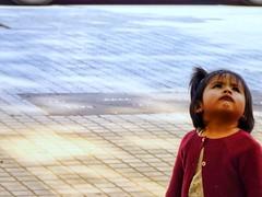 Bambina pensante (ludovicarussotti) Tags: kids prettygirl barcelona barcellona littlegirl pensieri bambini portrait