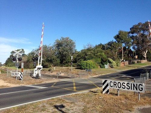 Level crossing, Leawarra