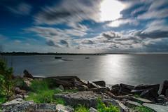 """""""Tone en détresse"""" - Port de la mole, Gujan-Mestras (33) (L. Castaings - Photographie) Tags: soleil paysage lanscape couleur nuance canon ciel mer sea sky nisi pouse longue"""