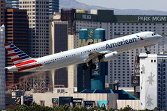 American Airlines   Airbus A321-200   N562UW   Las Vegas McCarran (Dennis HKG) Tags: aircraft airplane airport plane planespotting oneworld canon 7d 100400 lasvegas mccarran klas las american americanairlines aal aa usa airbus a321 airbusa321 n562uw