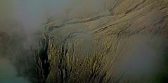 "INDONESIEN, Java, Am Bromo-Kraterrand, 17480/10050 (roba66) Tags: crater craterrim kraterrand bromo urlaub reisen travel explore voyages visit tourism roba66 asien asia inselstaat java ostjava vulkan volcano ""gunungbromo"" stratovulkan tenggermassiv"" nationalpark ""semerumassif"" krater mountain berge range naturalezza mountains montana felsen rock rocks landschaft landscape paisaje nature natur"