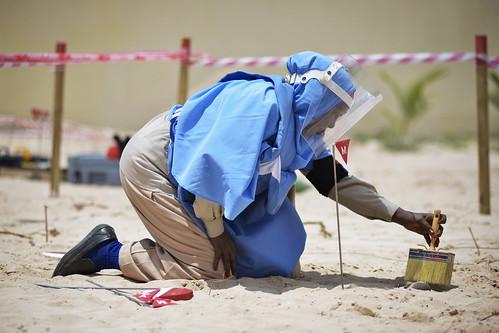 Αποναρκοθέτηση στη Σομαλία (AMISOM, 2013)