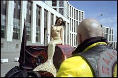 (Igor Baranchuk) Tags: olympusmju mju mjuii colourfilm colour analog film 35mm москва street mermaid