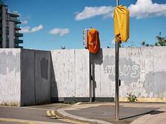 (turgidson) Tags: p1240472 panasonic lumix dmc g7 panasoniclumixdmcg7 panasonicg7 micro four thirds microfourthirds m43 g lumixg mirrorless x vario 35100mm 35100 f28 hhs35100 telephoto zoom lens panasonic35100 panasoniclumixgxvario35100mmf28 silkypix developer studio pro 7 silkypixdeveloperstudiopro7 raw mayor street upper mayorstreetupper dublin docklands ireland traffic lights covered up hoarding orange spencer dock spencerdock
