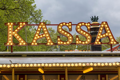Kassa im Zirkus (marcoverch) Tags: köln nordrheinwestfalen deutschland de kassa zirkus gold decoration dekoration noperson keineperson design outdoors drausen travel reise sign schild art kunst desktop traditional traditionell neon text symbol casino kasino pattern muster entertainment unterhaltung fun spas wood holz retro park kodak india lady airbus plane candid wet europe leica nyc