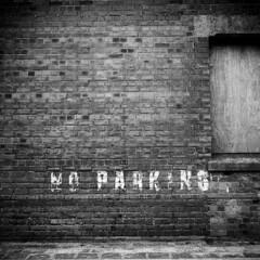 1033 No Parking (Monobod 1) Tags: zeiss ikon nettar vario fuji neopan acros100 rodinal 125 epsonv800 120