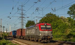 86_2018_05_08_03_Gelsenkirchen_Bismarck_5370_015_PKPC_mit_Containerzug_Bottrop_Süd
