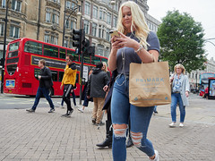 20180513T12-16-57Z-_5138959 (fitzrovialitter) Tags: england gbr geo:lat=5151516300 geo:lon=014422700 geotagged oxfordcircus unitedkingdom westendward peterfoster fitzrovialitter rubbish litter dumping flytipping trash garbage urban street environment london streetphotography documentary authenticstreet reportage photojournalism editorial captureone littergram exiftool olympusem1markii mzuiko 1240mmpro city ultragpslogger geosetter ripped jeans girl