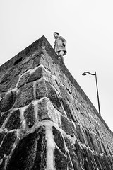 Courage (Mustafa Selcuk) Tags: 2018 fujifilm courage blackandwhite bnw bw noiretblanc neb nb noiretblancphotographie fujifilmfrance xt2 wall anotherbrickinthewall street streetphotography streetphotographer streetshooter france paris