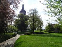 campanario Belffroi y Capilla de San Calixto Parque del Castillo Mons Belgica (Rafael Gomez - http://micamara.es) Tags: campanario belffroi y capilla de san calixto parque del castillo mons belgica valonia bélgica