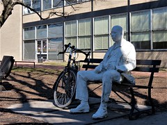 Man on a Bench (George Segal, 1986) (Chicago Bike Adventures) Tags: cyclotourism bikerides bicycling biketours biketouring bikeriding travel tourism sightseeing citysightseeing chicago city urban publicart sculpture urbancycling urbanbiking citycycling citybiking iitcampus