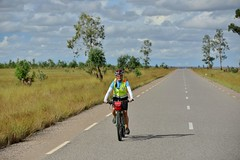 Anyone who goes on long bike tours knows these #meditative moments on the #bike: when the legs like clockwork, the head empties first and at some point, a problem or task shows up, which wants to be thought through while #cycling. #CycleMadagascar #MTB #m (klaus.a.sperling) Tags: bikeexperience cycling bikeride mtb rideyourbike culinary bikelife bicyclelicious mountainbike bikeholiday suntour challenge bike cyclemadagascar stevens rockshox cube rockmachine culinaire meditative madagascar