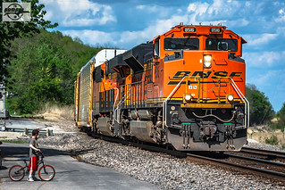 Westbound BNSF Vehicle Train at Camden, MO