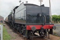 S&DJR 7F 2-8-0 at Dunster Station, 25 Aug 1993 (Ian D Nolan) Tags: railway film epsonperfectionv750scanner 35mm dunsterstation 280z sdjr 88 lms 7f