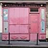 Marilyn Institut (Gerard Hermand) Tags: 1805173960 gerardhermand france paris canon eos5dmarkii boutique shop montmartre marilyn institut trottoir sidewalk rose pink