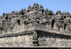 Borobudur, Java, Indonesia (JH_1982) Tags: borobudur barabudur candi barabudhur unesco world heritage site landmark building historic architecture mahayana buddhist temple sailendra dynasty buddhism religion religious spiritual 婆羅浮屠 ボロブドゥール遺跡 보로부두르 боробудур stone buddha statue statues stupa stupas java jawa 爪哇岛 ジャワ島 자와섬 ява indonesia indonesien indonésie 印度尼西亚 インドネシア 인도네시아 индонезия