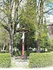 Kreuz auf dem Friedhof Kraiĺling (christophrohde) Tags: friedhof krailling kreuz crucifix