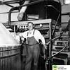 tm_7239 - Tidaholms Bryggeri (Tidaholms Museum) Tags: svartvit positiv interiör bryggeri tidaholm människa porträtt