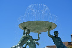 Triton Fountain [Valletta - 25 April 2018] (Doc. Ing.) Tags: 2018 malta valletta lavalletta ilbeltvalletta city capital spring fountain water metal iron detalhesemferro irondetails sky bluesky statue sculpture triton