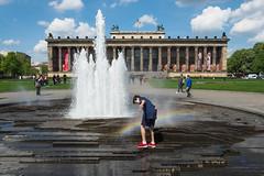 Berlin, Lustgarten (Lens Daemmi) Tags: berlin lustgarten museum springbrunnen regenbogen rainbow fountain altesmuseum