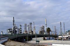 DSC_5713-61 (jjldickinson) Tags: nikond3300 103d3300 nikon1855mmf3556gvriiafsdxnikkor promaster52mmdigitalhdprotectionfilter freeway terminalislandfreeway ca47 ca103 losangeles wilmington oil petroleum petrochemicals fossilfuels refinery