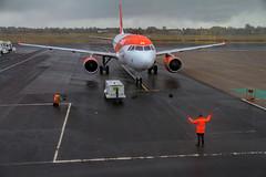 G-EZBK (Steve Perry B) Tags: easyjet a319 airbus apron