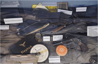 Exponate: German WW2-equipment for flight crew`s
