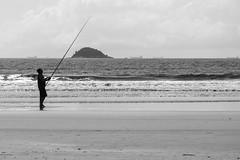 Fishing 🐟 (bahvicente) Tags: praiadoubatuba praia pescador fishing blackandwhite silhuetas