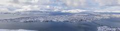 Vista panorámica de Tromsø 3 (José M. Arboleda) Tags: panorama paisaje puente kvaløybrua ciudad nieve montaña cielo mar agua frio gente calle carretera arquitectura casa edificio barco puerto tromsø noruega eos markiv josémarboledac ef24105mmf4lisusm canon 5d