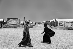 Refugee camp Iraq (rvjak) Tags: people d750 nikon irak iraq kurdistan refugee réfugié camp middleeast moyenorient bw noir blanc black white tent tente homme man femme woman