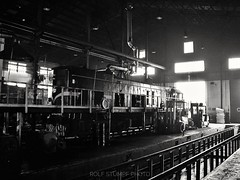 Varaždin shed (rolfstumpf) Tags: croatia varaždin emd g16 shed shadow hz 2043005 olympus c5050z locomotive railway railroad