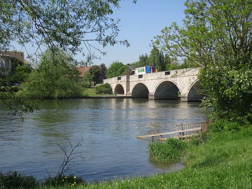 Thames Path - Weybridge to Windsor
