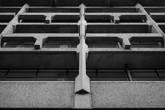 King's (cybertect) Tags: carlzeisstessart45mmf28 kingscollege london londonwc2 sonya7ii strand troupsteelescott wc2 architecture building concrete