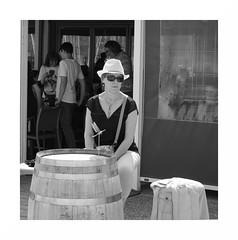 """Au Moulin-Blanc... Chapeau, Lunettes & Libellule Sans Glace"" (The Blue Water Lily's Company) Tags: fdrouet street rue brest nb bw monochrome monochrom femme woman bar terrasse nikon d90"