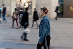 Slow motion (Pascal Volk) Tags: berlin mitte alexanderplatz berlinmitte street people motionblur bewegungsunschärfe desenfoquedemovimiento mitzieher panning barrido spring frühling primavera canoneos80d canonef40mmf28stm 40mm dxophotolab