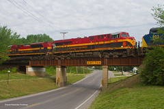 KCS Mexico Departure (3 of 4) (tim_1522) Tags: railroad railfanning rail mo missouri kcs roodhouse sub subdivision overpass intermodal generalelectric gevo es44ach csx ac44cw es44ac emd sd70ace