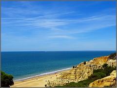Playa del Parador de Mazagón (Huelva) (Spain) (sky_hlv) Tags: playadelparadordemazagón mazagón huelva andalucía andalusia españa spain europe europa oceanoatlántico atlanticocean costadelaluz playa beach praia acantilado acantilados cliffs pinares