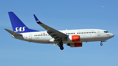 LN-RRB (AnDyMHoLdEn) Tags: sas scandinavian 737 egcc airport manchester manchesterairport 05l