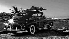 Let's go surfing O'ahu north shore (gerard eder) Tags: world travel reise viajes america northamerica usa hawaii oahu cars vintage surfing beach strand playa paisajes panorama blackandwhite blackwhite blancoynegro bw sw