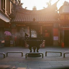 早安大稻埕 (jasoncremephotography) Tags: hasselblad 203fe hasselblad203fe planar 110mm zeiss film analog taiwan taipei mediumformat ektar