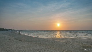 Tardes de playa #PuestaDeSol #Sisal #Yucatán #MisFotografías #MisPaisajes #NikonD5200 #Objetivo18_55