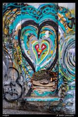 A todo corazón (Montse Estaca) Tags: portugal portogallo lisboa lisbon lisbona corazón cuore heart arteurbano urbanart color hueco hole gap agujero buco boquete graffiti puerta door porta urbanlandscape urbanphotography fotografíaurbana paisajeurbano fuji fujixt1 calçadadagraça rua calle streetphotography street strada