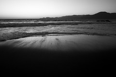 DSC03192 (manolosavi) Tags: california sanfrancisco bakerbeach outside nature sea beach sand sony alpha a7 a7ii sky sunset zeiss batis 25mm blackandwhite bw contrast