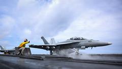 180426-N-VN584-2130 (SurfaceWarriors) Tags: usstheodoreroosevelt cvn71 aircraftcarrier theodorerooseveltcarrierstrikegroup carrierstrikegroup9 carrierairwingseventeen vn584 alex corona fa18fsuperhornet mightyshrikes strikefighterattacksquadron vfa 94 launches flightdeck flightoperations catapults waist shooter pacificocean