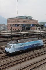 BLS Lötschbergbahn Lokomotive Re 465 016 - 4 mit Taufname Centovalli mit Werbung Stockhorn ( Hersteller SLM Nr. 5740 - ABB - Inbetriebnahme 1997 - ex. Black Pearl railCare - Werbelokomotive seit 04.05.18 ) am Bahnhof Spiez im Kanton Bern der Schweiz (chrchr_75) Tags: christoph hurni schweiz suisse switzerland svizzera suissa swiss chrchr chrchr75 chrigu chriguhurni chriguhurnibluemailch albumzzz201805mai mai 2018 albumbahnenderschweiz albumbahnenderschweiz20180106schweizer bahnen bahn eisenbahn train treno zug bls lötschbergbahn lokomotive elektrolokomotive triebfahrzeug slm re 465 albumbahnblslötschbergbahn albumbahnblsre465 016 stockhorn werbelokomotive werbung ganzwerbung juna zoug trainen tog tren поезд паровоз locomotora lok lokomotiv locomotief locomotiva locomotive railway rautatie chemin de fer ferrovia 鉄道 spoorweg железнодорожный centralstation ferroviaria