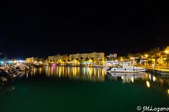 REFLEJOS EN LA DARSENA (josmanmelilla) Tags: melilla mar nocturna agua puerto barcos pwmelilla flickphotowalk pwdmelilla pwdemelilla