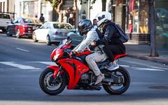(seua_yai) Tags: northamerica california sanfrancisco thecity candid people street women men style lifestyle city urban seuayai sanfrancisco2018 motorbike motorcycle
